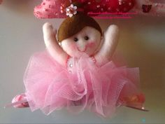 Ballerina con spaccata. Banner per MariaSofia ❤️❤️❤️ in feltro, pannolenci, tessuto, handmade.  Realizzata interamente a mano senza l'ausilio di macchina da cucire.