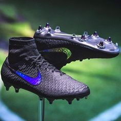 Recently @nikefootball revealed anti-clog technology a soleplate that mud won't stick too. Not sure how it works but it's a cool concept. What do you think of this? #cleatstagram #nike #soccer #magista #anticlog #cleats by cleatstagram