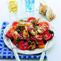 Mediterranean haloumi salad - only two minutes of cooking needed and delicious seasonal ingredients.