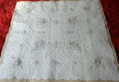 Fabulous linen wholecloth quilt by Gail Stewart from New Zealand...her very first one!