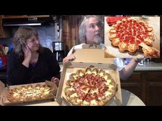 Eating the Ultimate Cheesy Crust Pizza Hut