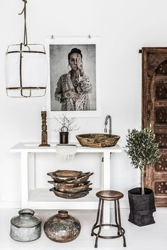 Ethnic Design With Scandinavian Simplicity. Beautiful wood sink, indoor plant and over-sized wall art Home Decor Bedroom, Boho Interior, Decor, Interior Design, Bedroom Decor, White Console Table, Home, Interior, Home Decor
