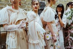 Our Best Behind-the-Scenes Photos From London Fashion Week - Vogue