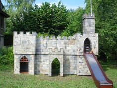 Garden Castle Playhouse Plans - The Best Image Search Castle Playhouse, Kids Playhouse Plans, Kids Indoor Playhouse, Build A Playhouse, Kids Castle, Childrens Castle, Wooden Castle, Play Fort, Outdoor Play Areas