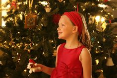 Our Favorite Christmas Tree Traditions! #ShareYourDelight AD