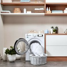 Want to freshen up your bed linen or doona? The XL door on selected Beko washing machines makes it easier than ever to load and unload those bigger items that need a little extra room. Washing Machines, Extra Rooms, Linen Bedding, Bed Linen, Spring Cleaning, Laundry, Home Appliances, Design, Technology