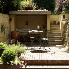 Create a garden on different levels | Small town garden ideas - 10 of the best | housetohome.co.uk
