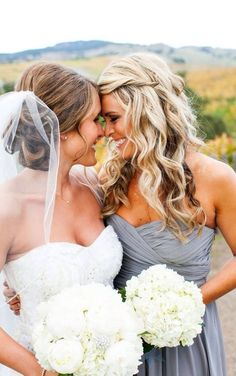 Bride and maid of honor, love this.
