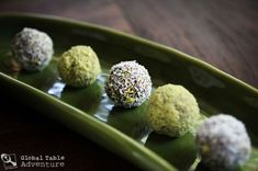 yum yum, another date ball recipe, this time with pistachios!