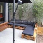 2 outdoor sofas built with pallets and the same system