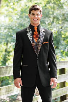 camo wedding tuxedo | 882_camo_tux_orange_camo_windsor_14.jpg