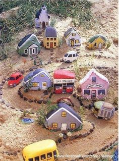 Here's a great project for the kids this school holidays.Get them making a rock village. When they've finished making it they'll have a great new activity to keep them busy for ages. Brilliant!