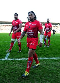 Ma'a Nonu Photos Photos - Ma'a Nonu of Toulon leaves the field dejected following his side's defeat during the European Rugby Champions Cup Quarter Final between Racing 92 and RC Toulon at Stade Yves Du Manoir on April 10, 2016 in Paris, France. - Racing 92 v RC Toulon - European Rugby Champions Cup Quarter Final