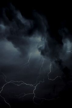 a dark and stormy night. a crack of lightning. Beautiful Sky, Beautiful World, Yennefer Of Vengerberg, Wild Weather, Dark Weather, Extreme Weather, Thunder And Lightning, Black Thunder, Picture Comments