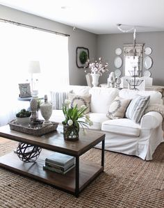 White Living Room Would Add A Instant Impact To Your House. Above All White Creates Way For Clean, Cool And Calm Atmosphere To Your Home. White Couch Decor, White Couch Living Room, White Couches, Living Room Photos, Home Living Room, Living Room Decor, Bedroom Decor, Dining Room, Decor Room