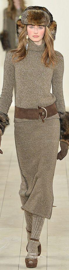 Farb-und Stilberatung mit www.farben-reich.com - #NYFW Ralph Lauren Fall 2015 RTW ♔THD♔-love the belt -not crazy about the hat or gloves
