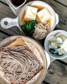 ginandbird: ileftmyheartintokyo: そば、soba by. Japanese Dishes, Japanese Food, Japanese Noodles, Asian Cooking, Mets, Rind, Asian Recipes, Love Food, Great Recipes