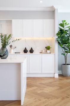 Layout Design, Küchen Design, Wood Floor Kitchen, Kitchen Flooring, Kitchen Cabinets, Interior Desing, Interior Design Kitchen, Home Decor Kitchen, Home Kitchens