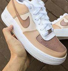 Dr Shoes, Cute Nike Shoes, Swag Shoes, Cute Sneakers, Nike Air Shoes, Hype Shoes, Shoes Sneakers, Cute Teen Shoes, Nike Air Force