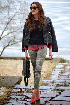 - School/Multicultural/Career (Green pants, plaid button-up, black sweater, black motorcycle boots, deer necklace) Camo Jeans Outfit, Camo Dress, Plaid Outfits, Camo Pants, Green Outfits, Camo Fashion, Fashion Outfits, Gq Fashion, Fashion Ideas