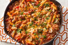 One-Pot Penne Pasta. This pasta dishfull of fresh vegetables, ground beef, cheese and baconisnt just better for you. Its made in one pot, so cleanups a breeze! Penne Pasta Recipes, Pasta Dishes, Food Dishes, Pasta Bake, Bacon Pasta, Veggie Pasta, Pasta Salad, Main Dishes, Kraft Recipes