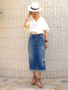 ボリューム袖は体のラインが見えない分、華奢なスタイルに見せてくれます。そこで肌をしっかり見せる夏だからこそ、逆に隠して華奢見えをする、ボリューム袖のコーデをご紹介します♡