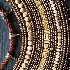 Детали... Все мои работы здесь #lenok_shandorka #handmadejewellery #якутскиеукрашения #якутскиеузоры #оhуор #jewelry #этно #этностиль #этника #стилизация #украшенияизбисера #комплектукрашений #ожерелье