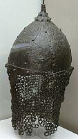 Шлем из Казазово вид сбоку