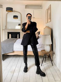Winter Wardrobe, My Wardrobe, Winter Looks, Black Blazers, Who What Wear, Streetwear Fashion, Fashion Beauty, Fashion Fashion, Outfit Of The Day