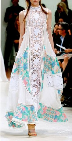 Looks like Pakistani Fashion ! Looks like Pakistani Fashion ! Indian Fashion, Boho Fashion, Womens Fashion, Fashion Design, Fashion Moda, Beach Fashion, Trendy Fashion, Fashion Dresses, White Fashion