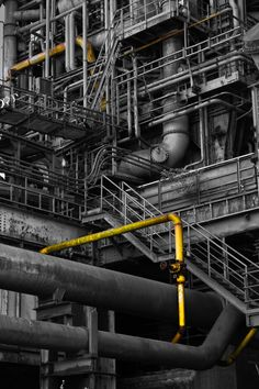 interesting pipes and stairway Industrial Photography, Urban Photography, Urban Industrial, Industrial Design, Ing Civil, Chemical Plant, Industrial Machinery, Images Esthétiques, Oil Refinery