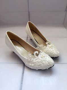 Hey, I found this really awesome Etsy listing at https://www.etsy.com/listing/223999002/ballet-flat-wedding-shoes-lace-bridal