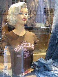 Style glamour Boutique Sap - Mode slim -skinny -leggings - On se souvient de Marylin Monroe moulée dans son jean dans Les Désaxés de John Houston. Le jean Skinny et le pantalon moulant taille haute donnent un côté glamour sans en faire trop...