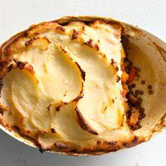 Vegetable Shepherd's Pie @keyingredient #vegetarian #vegetables #pie #casserole