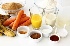 Prajitură de post cu morcovi cu banane și cremă cu unt de cocos Unt, Cake Vegan, Glass Of Milk, Desserts, Food, Banana, Tailgate Desserts, Deserts, Essen