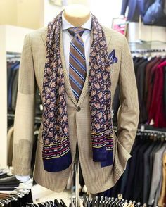Mens Fashion Suits, Mens Suits, Suits You Sir, Tan Guys, Suit Accessories, Tailored Suits, Menswear, Blazer, Jackets