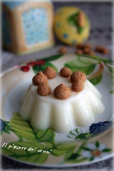 panna cotta alle mandorle Panna Cotta, Moon Cake, Pavlova, No Bake Desserts, Raspberry, Cheesecake, Pudding, Sweets, Baking