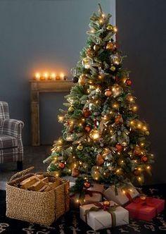 die 25 besten bilder von weihnachtsbaum aus holz. Black Bedroom Furniture Sets. Home Design Ideas