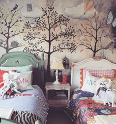 Summer style!! Wonderful wallpaper in a kids' room with twin beds!! Modern kids room! Modern Bohemian Chic for a Kid! A Budding Interior Decorating Star – McGizzles!