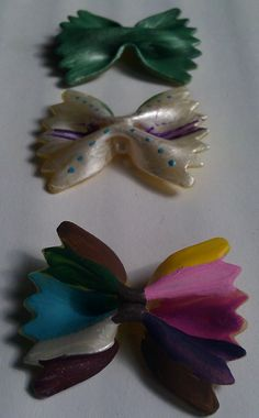 Paint Pasta Bows for kids projects! Kodi this has you and Stella written all over it! Hope you see this! Macaroni Crafts, Pasta Crafts, Projects For Kids, Art Projects, Crafts For Kids, Babysitting, Creative Kids, Passion For Fashion, Art For Kids