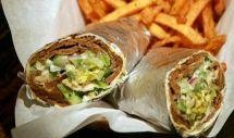 Da Pieroburger puoi trovare oltre al classico panino: kebab, carne arrosto, salsicce e verdure alla griglia, patatine.