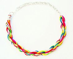 Collar Mil Colores. Pvp: 6€.