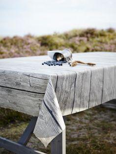La Colección Textil de Ikea Solfint, está inspirada en motivos náuticos. Quedará genial en el entorno de la piscina o en la playa.