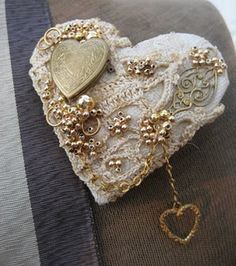 darling heart out of vintage scraps & baubles