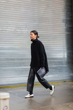 The Best Street Style From New York Fashion Week Annina Mislin - The Cut Best Street Style, Cool Street Fashion, Street Chic, Street Style Women, Black Women Fashion, Look Fashion, Fall Fashion, Fashion Fashion, Fashion Tips
