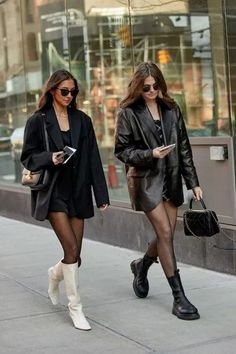 How To Dress In All Black And Look Like A BOSS Indie Fashion, 60 Fashion, Fashion Hats, China Fashion, Fashion Watches, Latest Fashion, Fashion Jewelry, Womens Fashion, Full Black Outfit