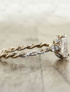 Diamond Wedding Rings : Nothing too imposing, but so intricate and beautiful! - Buy Me Diamond The Bling Ring, Bling Bling, Wedding Engagement, Wedding Rings, Nature Engagement Rings, Intricate Engagement Ring, Braided Engagement Rings, Jewelry Box, Jewelry Accessories