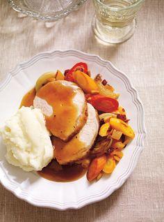 Roast pork with Christmas spices – Dinner Recipes Pork Sausage Recipes, Pork Roast Recipes, Christmas Roast, Xmas, Ricardo Recipe, Delicious Dinner Recipes, Yummy Recipes, Dinner Salads, Pork Dishes