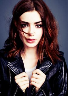 Love the cut and color hmmm I might just have to try it ;) (Lily Collins)