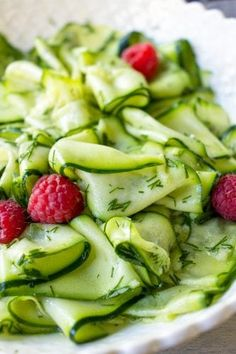 Perfect for picnics, potlucks or as a quick side dish for any meal, this Marinated Zucchini Salad is both easy, healthy and so good! Made with raw zucchini and a touch of garlic, this quick recipe will freshen up any meal. Zucchini Side Dishes, Side Dishes For Bbq, Summer Side Dishes, Potato Side Dishes, Healthy Side Dishes, Healthy Salads, Healthy Recipes, Picnic Side Dishes, Avocado Salads